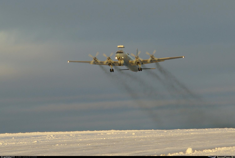 Resultado de imagen de Aviones rusos Il-38 realizan en Kamchatka