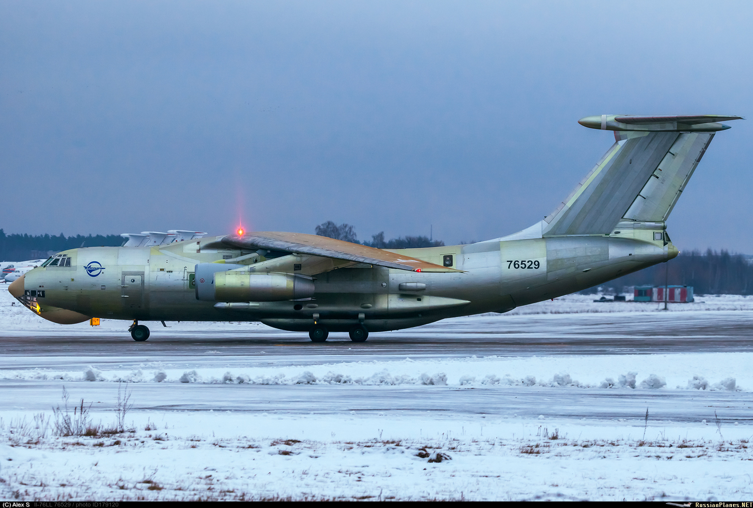 http://russianplanes.net/images/to180000/179120.jpg