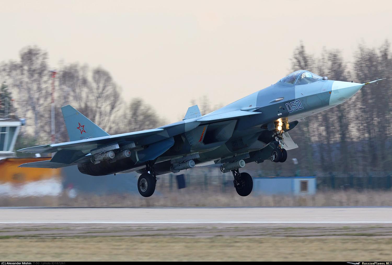 Еще один снимок Т-50-2 с бомбами