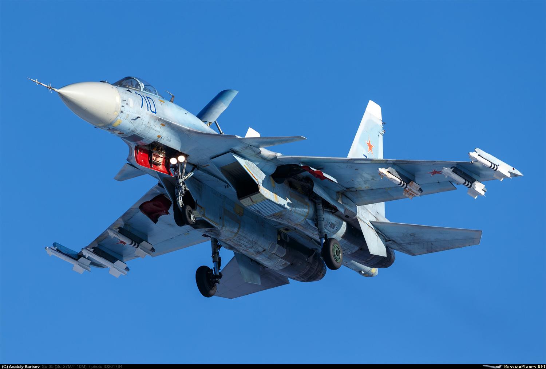 Один из первых Су-35 продолжает летать