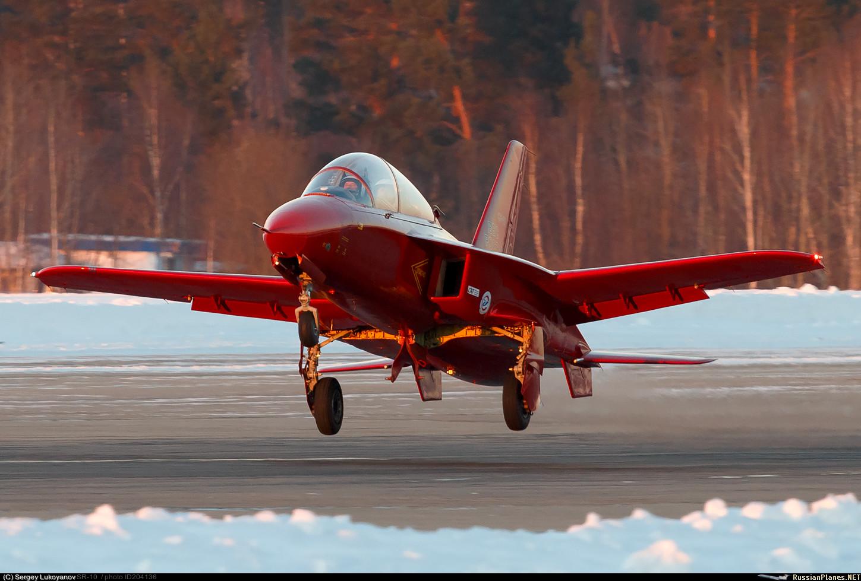 Самолет СР-10 продолжает испытания