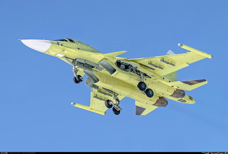 Первый серийный Су-34 в 2017 году