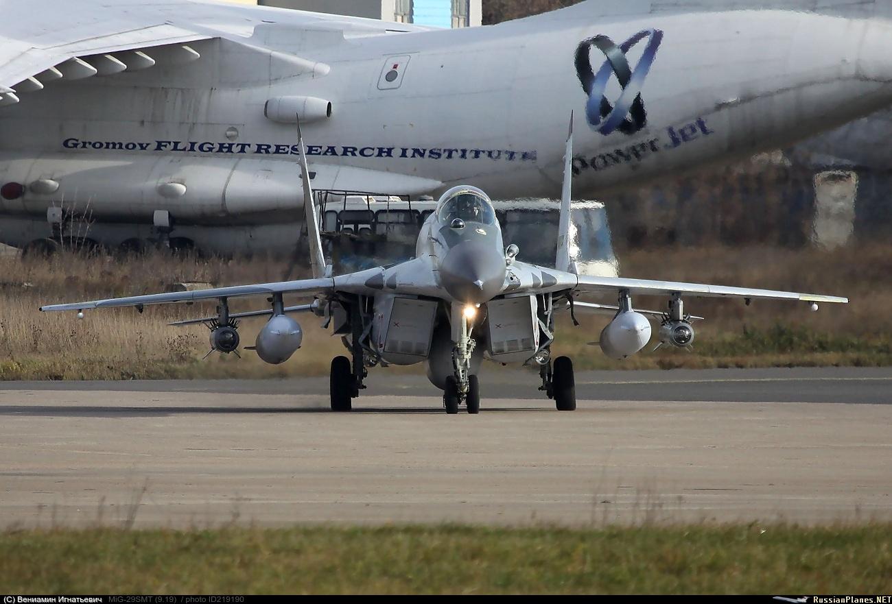 MiG-29/ΜiG-35 Fulcrum: News - Page 35 219190