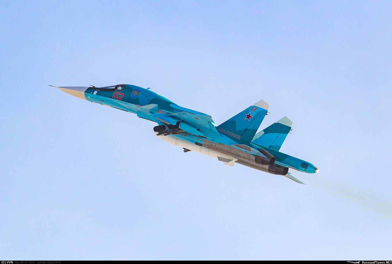 ВКС России получили еще четыре фронтовых бомбардировщика Су-34
