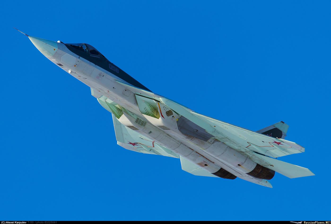 Контракт на первые 12 серийных истребителей Су-57 установочной партии будет заключен в 2018 году