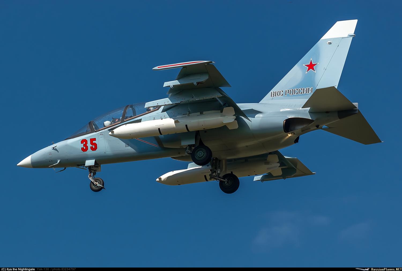Учебная авиационная база в Кущевской получила самолеты Як-130