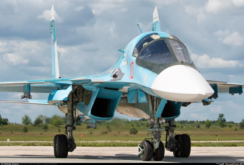 O caça-bombardeiro russo Sukhoi Su-34 é uma lenda por uma simples razão