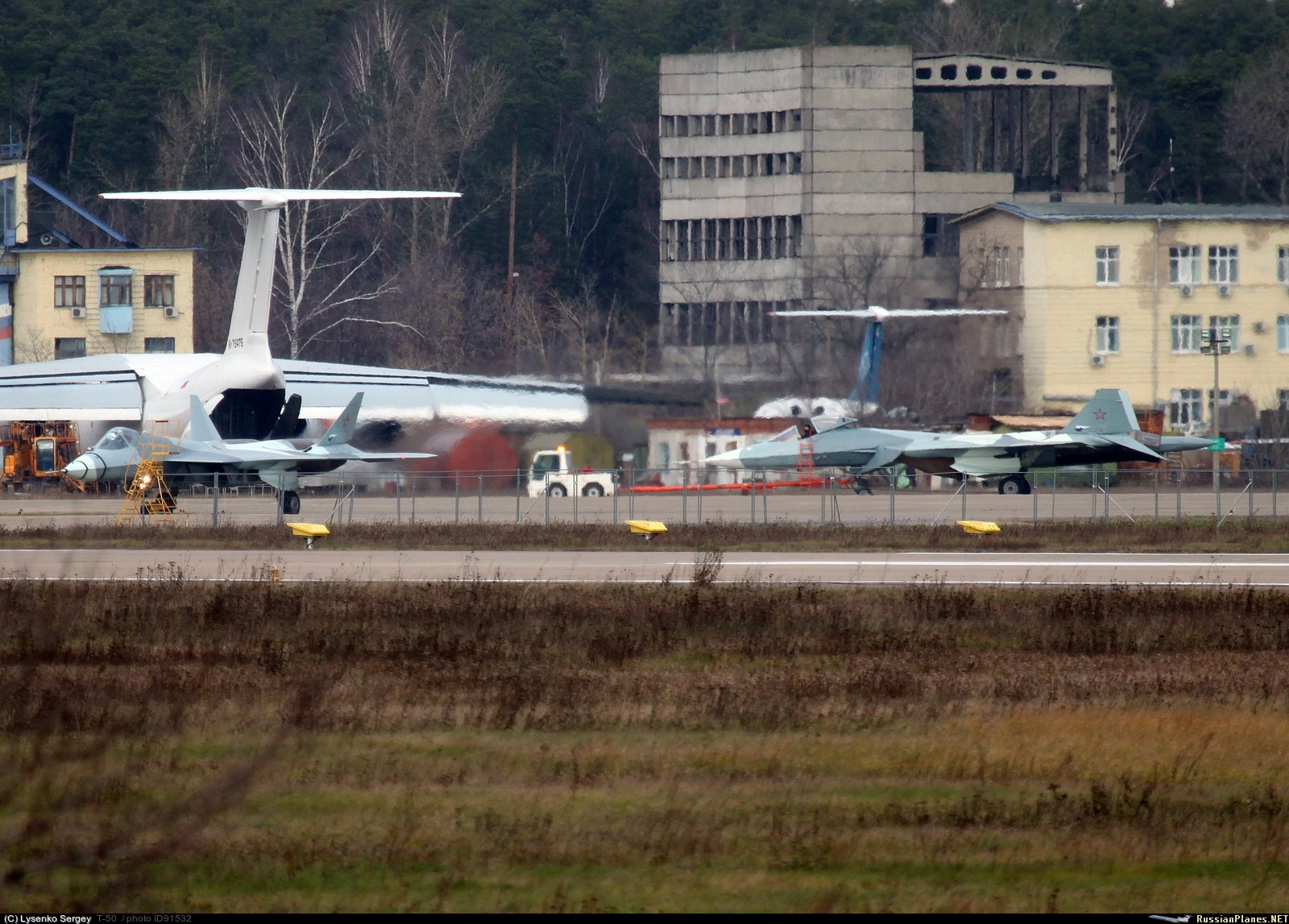 http://russianplanes.net/images/to92000/091532.jpg